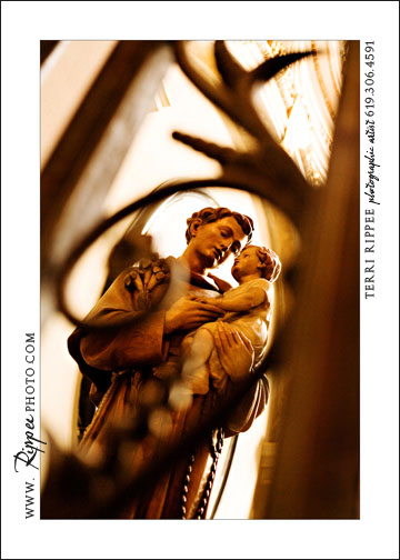 2007 Italy trip: Saint Holding Child