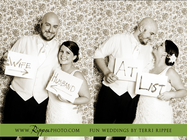 Megan and Steve Rancho Valencia Wedding: Bride and Groom Holding Signs
