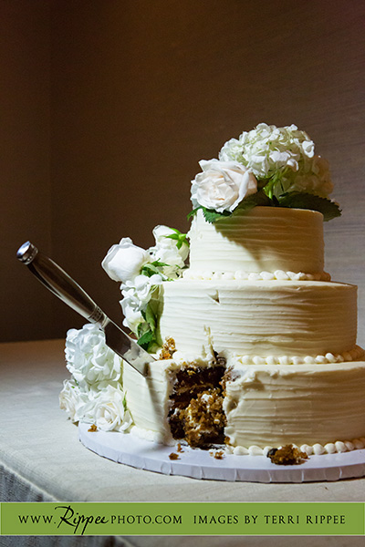 Wedding at Rancho Valencia Resort Del Mar: Cut Wedding Cake