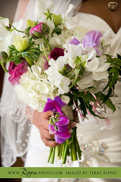 Trevor and Rujuta's Wedding: Bouquet of Flowers